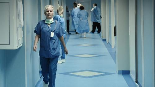 Spitalul din Sibiu: Asistentul cu Covid-19 nu a respectat protocolul, luăm în calcul o plângere penală