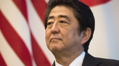 Premierul nipon Shinzo Abe este presat să instituie starea de urgență din cauza pandemiei cu coronavirus