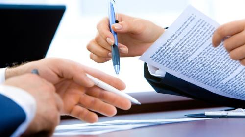 Crește numărul contractelor de muncă suspendate și încetate