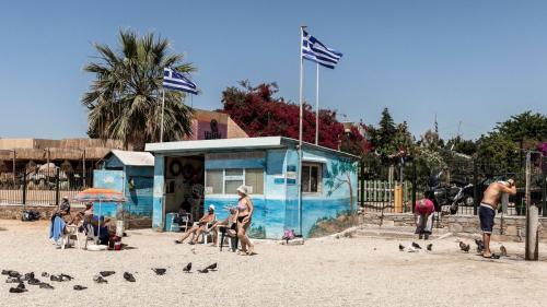 Plajele se redeschid pentru turismul estival