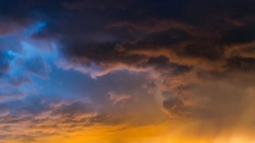Alertă ANM: Cod galben de ploi, grindină și vânt. Care sunt zonele vizate