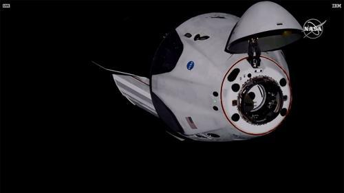 Astronauţii americani de la bordul navetei Crew Dragon au ajuns la Staţia Spaţială Internaţională