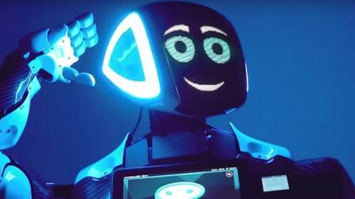 """Microsoft va înlocui zeci de jurnaliști cu """"roboți"""""""