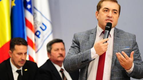 Liderul PPUSL îi îndeamnă pe românii amendați prin ordonanțele militare să se grăbească pentru a le contesta