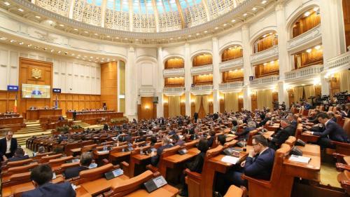 Camera Deputaților a votat ca educația sanitară, nu sexuală, să se poată preda doar cu acordul părinților