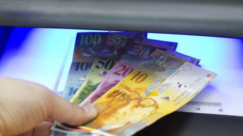 Curs valutar. Leul se apreciază față de principalele valute. ROBOR scade. Aurul se ieftinește