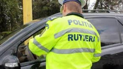 Un polițist din Bihor a refuzat o mită de 1.000 de euro, de la un șofer prins fără permis