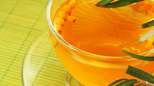 Uleiul de morcov - aliat al frumuseţii. Vindecă pielea în mod miraculos, din interior spre exterior