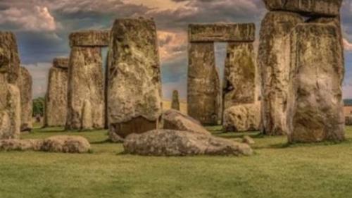 Descoperire uimitoare la Stonehenge. Druizii au construit un cerc de stâlpi imenși