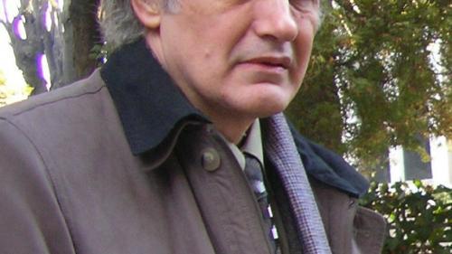 """Emil Lungeanu, autorul romanului """"Jocul"""", care apare cu Jurnalul: """"Scriitorul îşi câştigă existenţa într-un singur fel: prin posteritate"""""""