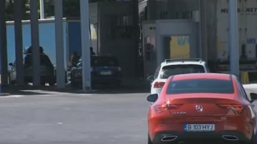 Coadă de 5 kilometri la singura intrare în Grecia. Sute de români așteaptă în mașini intrarea în vama Kulata-Promachonas