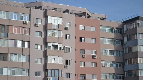 Index imobiliar ZF: Preţurile apartamentelor vechi cu 3 camere din Capitală au crescut în luna iunie