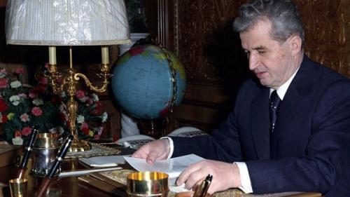Ce mănâncă un dictator? La masă cu Ceaușescu, Tito și Stalin