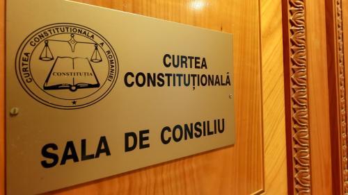 CCR: Guvernul Orban a încălcat Constituția și principiile statului de drept
