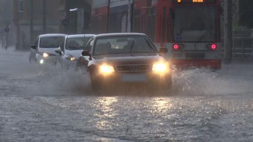 Trafic îngreunat în județul Vâlcea din cauza ploilor