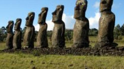 Arheologii au descoperit secretul Insulei Paștelui. Ce se află la baza statuilor Moai