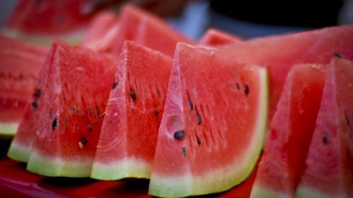 Un nutriţionist avertizează asupra consumului exagerat de pepene verde. Ce riști dacă nu mănânci corect acest fruct