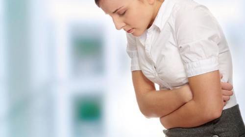Pentru evitarea gastritelor, mai puţine mezeluri și conserve