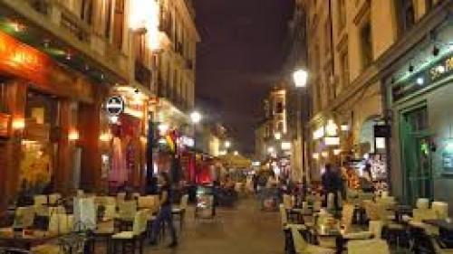 Vânzările restaurantelor au scăzut cu 40%, după măsura închiderii la ora 23:00