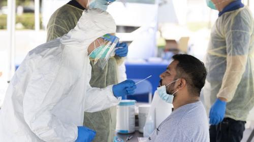 Recomandări periculoase despre tratarea COVID-19. Mii de oameni au murit