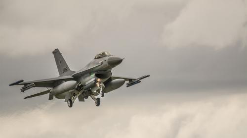 Pilot de avioane de vânătoare vs inteligenţa artificială: 0 – 5. Lupta s-a dus în mediul virtual