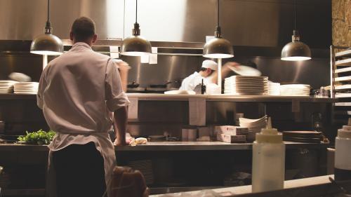 Costul orar al forței de muncă a crescut din cauza pandemiei