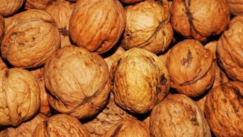 Consumul de nuci este util pentru reducerea riscului de deces provocat de diabet sau infarct