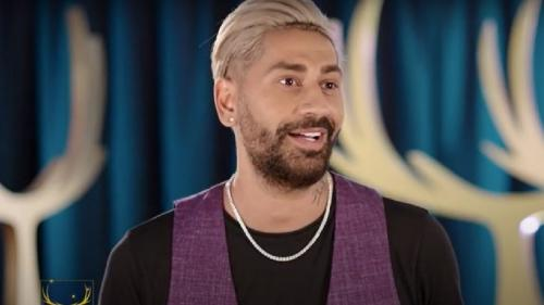 Connect-R: Tata îl imita pe Ricky Dandel: Ladies and gentlemen.... Eu, la rândul meu, îl imitam pe tata