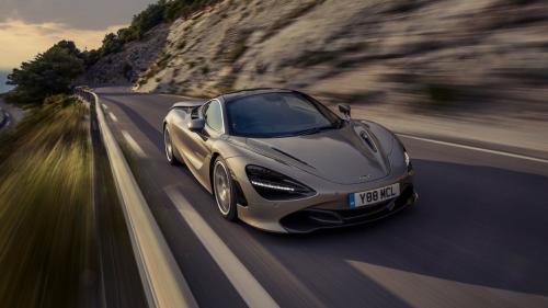 McLaren, în picaj