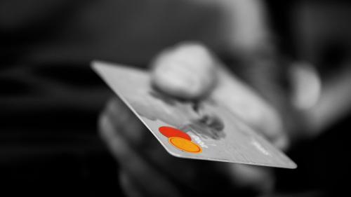 UE va introduce reglementări pentru tranzacţii financiare digitale