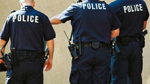 Imagini cutremurătoare din New Jersey: Poliţiştii împuşcă un bărbat de culoare