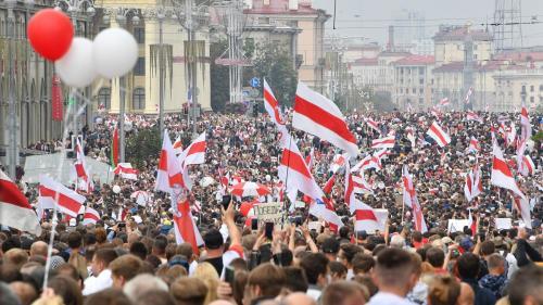 Proteste masive la Minsk, după ce Lukaşenko a depus jurământul de învestitură