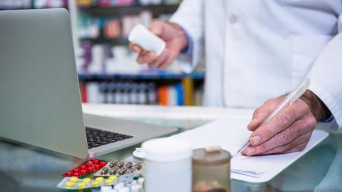România, printre statele UE cu cei mai mulți farmaciști și stomatologi