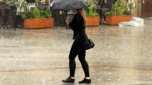 Prognoză Meteo pentru Capitală: Ploi torențiale cu grindină și fulgere, până în dimineața alegerilor