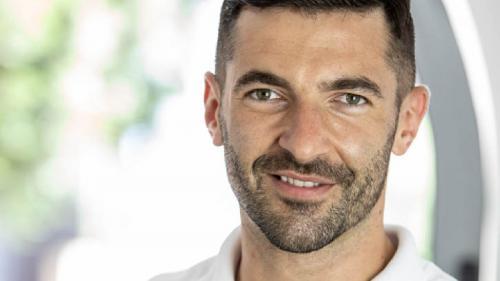 Dr Andrei Constantinovici îți răspunde la 7 întrebări despre implantul dentar