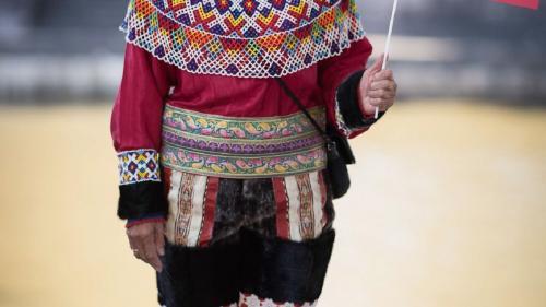 Enciclopedie online cu costume tradiţionale
