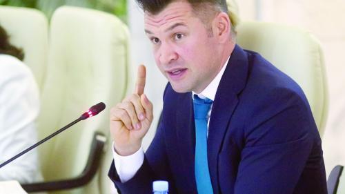 Ionuț Stroe vrea continuarea activității sporturilor de sală