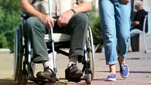 Scleroza multiplă: definiție, simptome și tratament. Ce trebuie făcut?