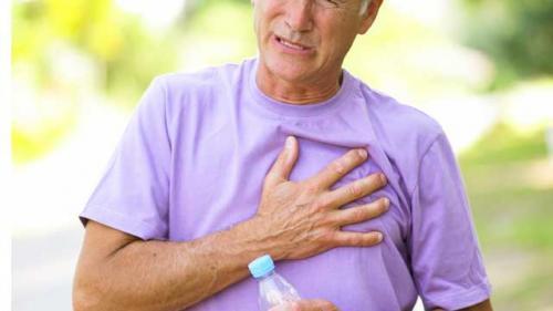 Durerea de stern: cauze posibile