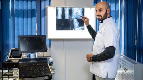 Românul Tarek Nazer, doctorul lui Manchester United. A lăsat Anglia ca să lucreze în țară