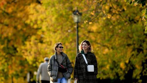 Vești bune de la meteorologi: Final de toamnă cu vreme frumoasă în cea mai mare parte a țării