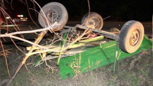 Inconștiență la volan: Un tânâr băut şi fără permis, a lovit cu maşina o căruță, apoi a fugit de la locul accidentului