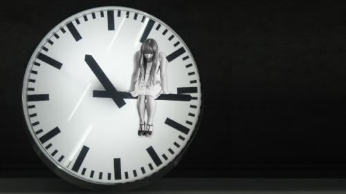 Capcana în depresie: între însingurare şi sinucidere e doar un pas