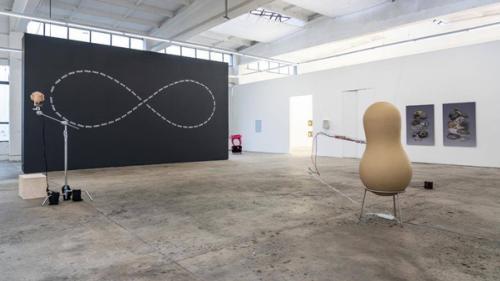 Expoziția Creația Tânără Europeană / Jeune Création Européenne promoveză noi talente și tendințe din arta contemporană europeană