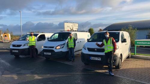 """Sute de români câștigă peste 500 de lire pe săptămână la Fast Despatch Logistics. Angajat: """"Condițiile sunt excelente și partea bună este că de sărbători putem să ne întoarcem în țară"""""""