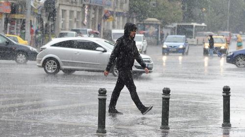 Vreme rea în țară. Ninsoare, vânt și ploi. Frig în Capitală