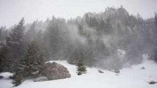 Zăpadă de 7 cm în Munții Rodnei
