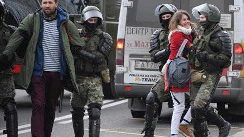 Zeci de mii de belaruși au protestat duminică împotriva regimului Lukașenko