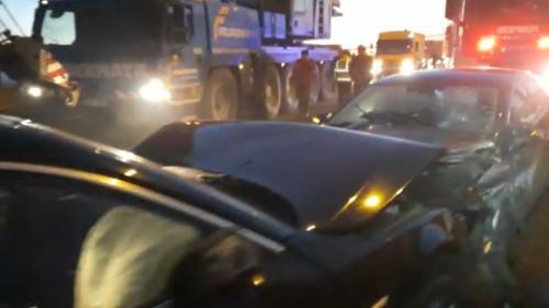 Accident în lanț pe Autostrada București-Pitești. Zece mașini au fost implicate. Șase persoane au fost rănite