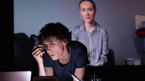 Spectacolul Be Ariell F, din cadrul Festivalului Internațional de Teatru Interferențe, live, online